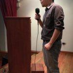 Bitzor dando unas palabras al inicio del evento