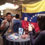 Visitando el stand de Mozilla Venezuela