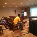 Brandon Johnson hablando sobre BD