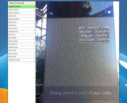 MiguelUseche en el Monumento de Mozilla