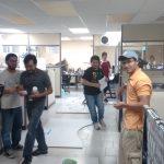 Estudiantes en el laboratorio de Prototipos