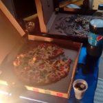 En ningún hackaton falta la Pizza y Refresco