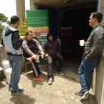 Francisco Pagola conversando con otros gurús