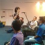 La Prof. Mary Angel Bohórquez hablando sobre el Startup Weekend de Maracaibo