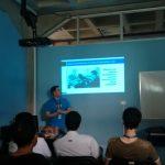Miguel Useche hablando sobre las herramientas de desarrollo de Firefox