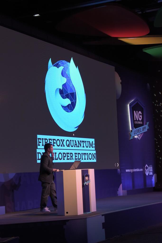 Miguel Useche hablando sobre el navegador (Foto cortesía de Yuxi Global)