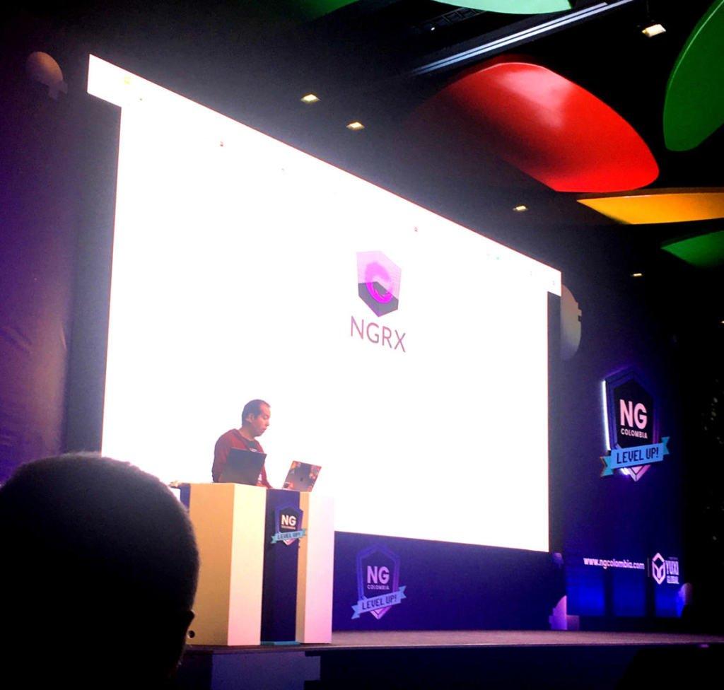 Andres Villanueba hablando sobre NGRX