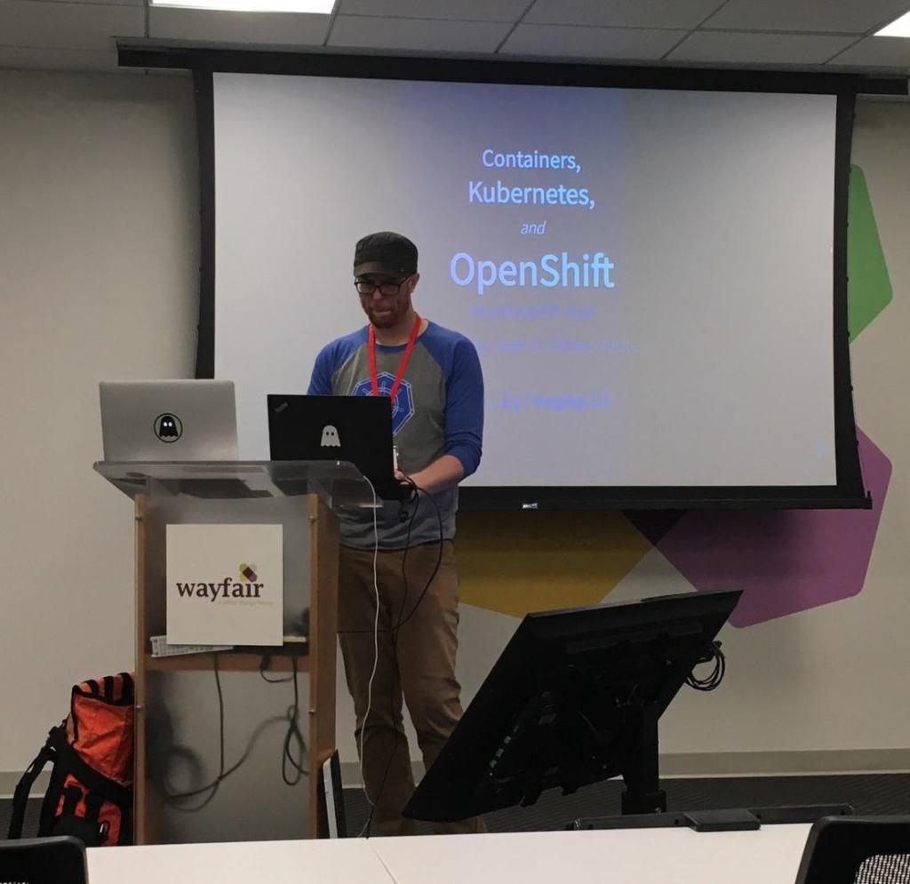 Ryan Jarvinen hablando sobre Kubernetes y OpenShift