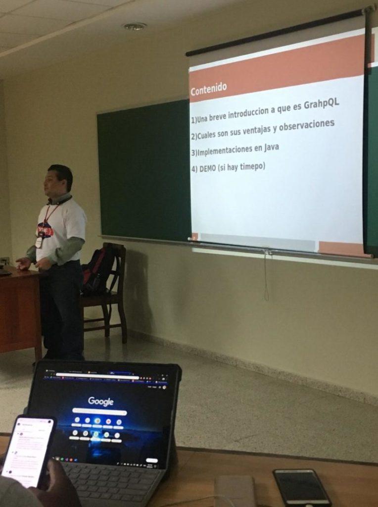 Omar Berroterán Silva hablando sobre GraphQL